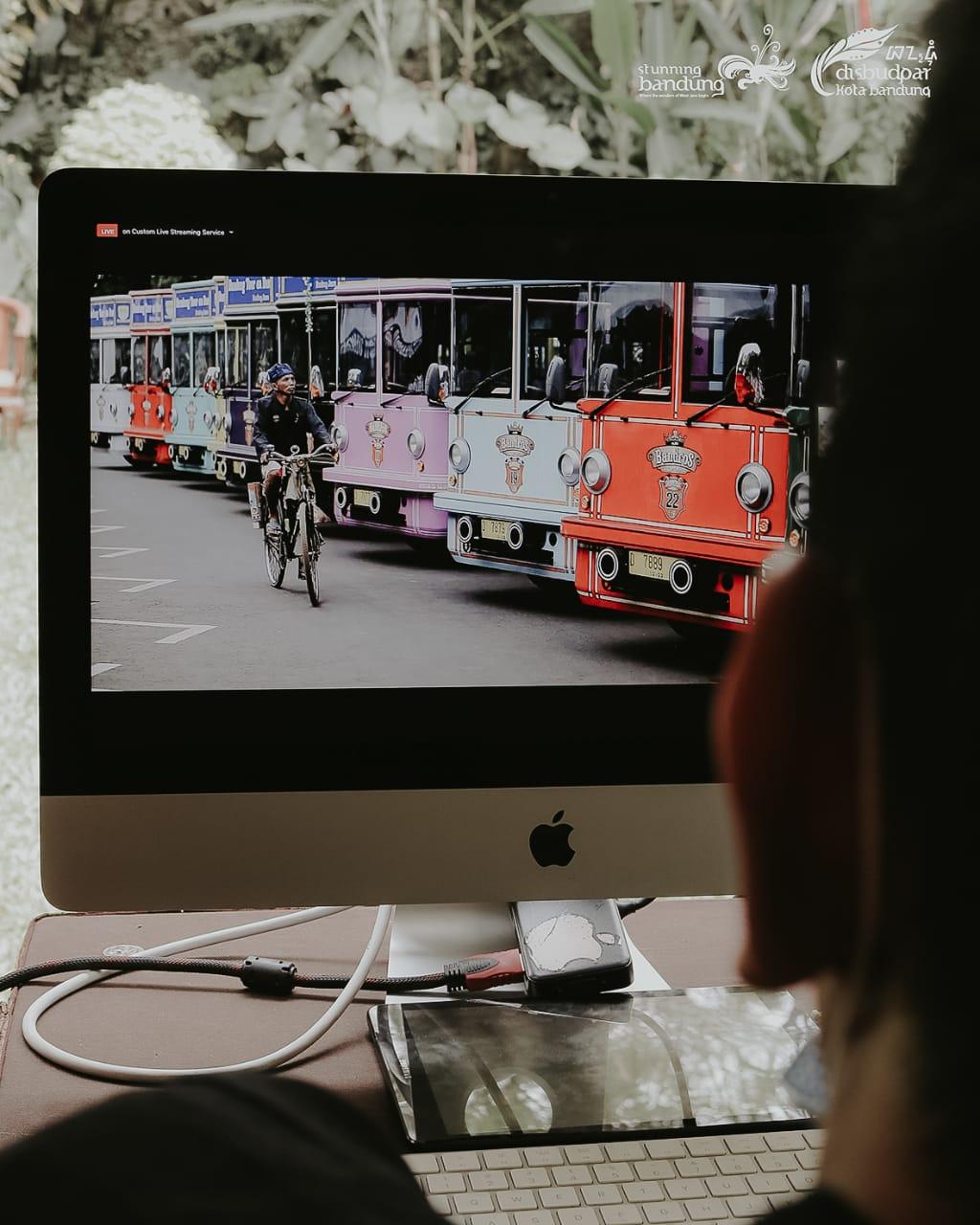 Hello From The Stunning Bandung: Talkshow dan Penayangan Virtual Tour Kota Bandung